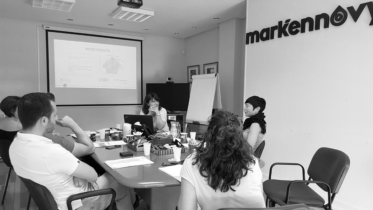 Participación en la mesa redonda de líderes de opinión en contactología de laboratorios Mark'ennovy
